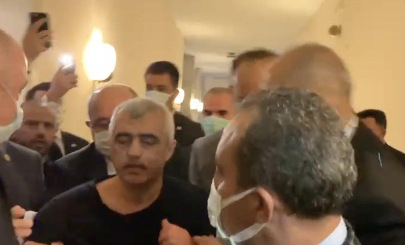Ömer Faruk Gergerlioğlu abdest alırken gözaltına alındı 4
