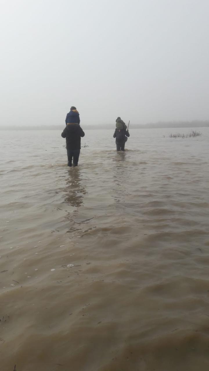 Meriç'in taşan sularında 12 saat yürümek zorunda kalan çocukların hikayesi… 3